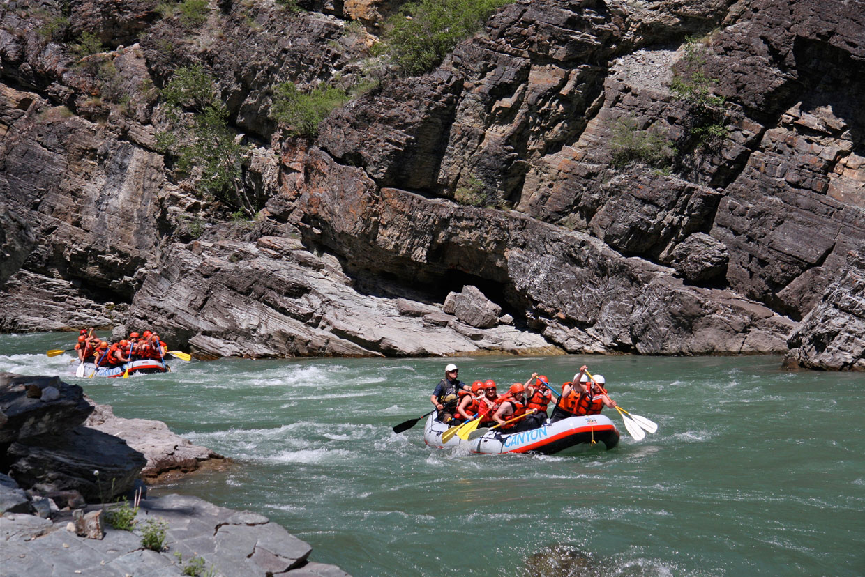 River rafting the Elk River Canyon