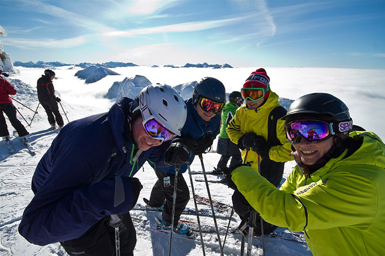 Group skiing