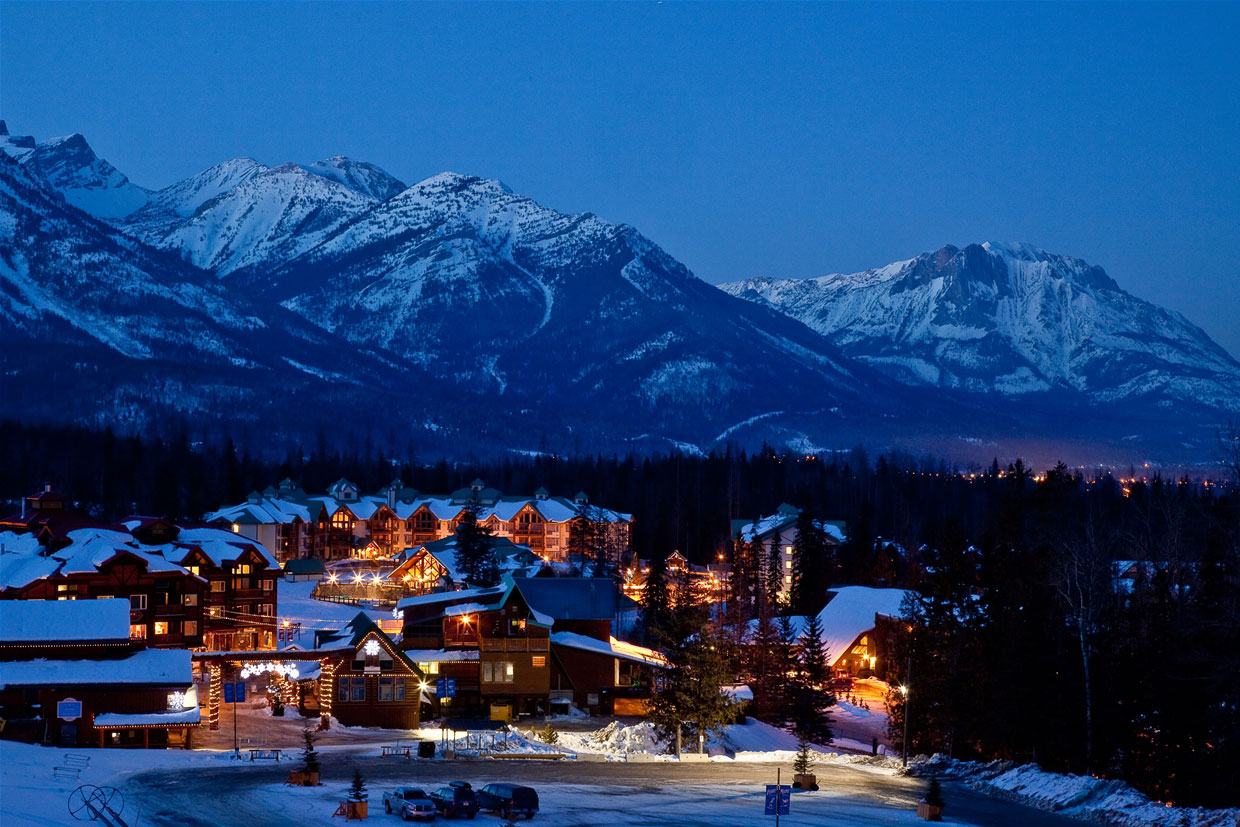 Night falls on Fernie BC