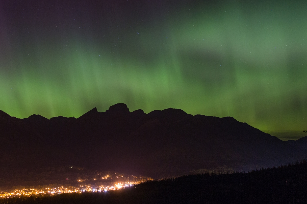 Northern Lights over Fernie - 28th Sept 2017