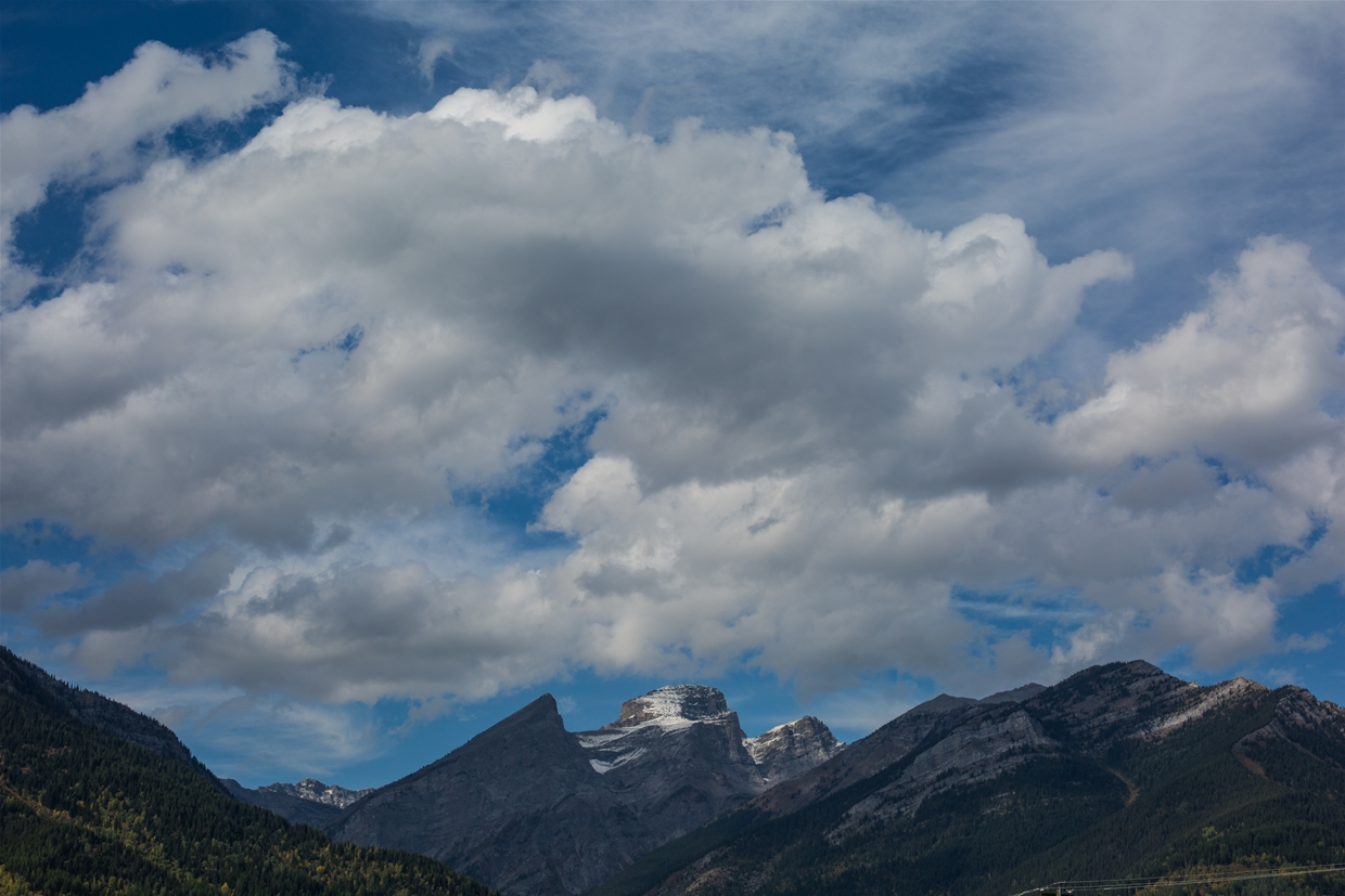 Fernie sky at 10am on September 15th, 2018 - Looking north