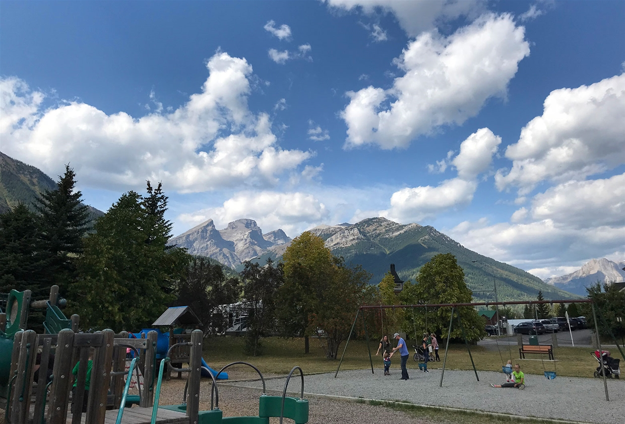 Fernie sky at 4:00pm on Saturday Sept. 1, 2018 - Looking North