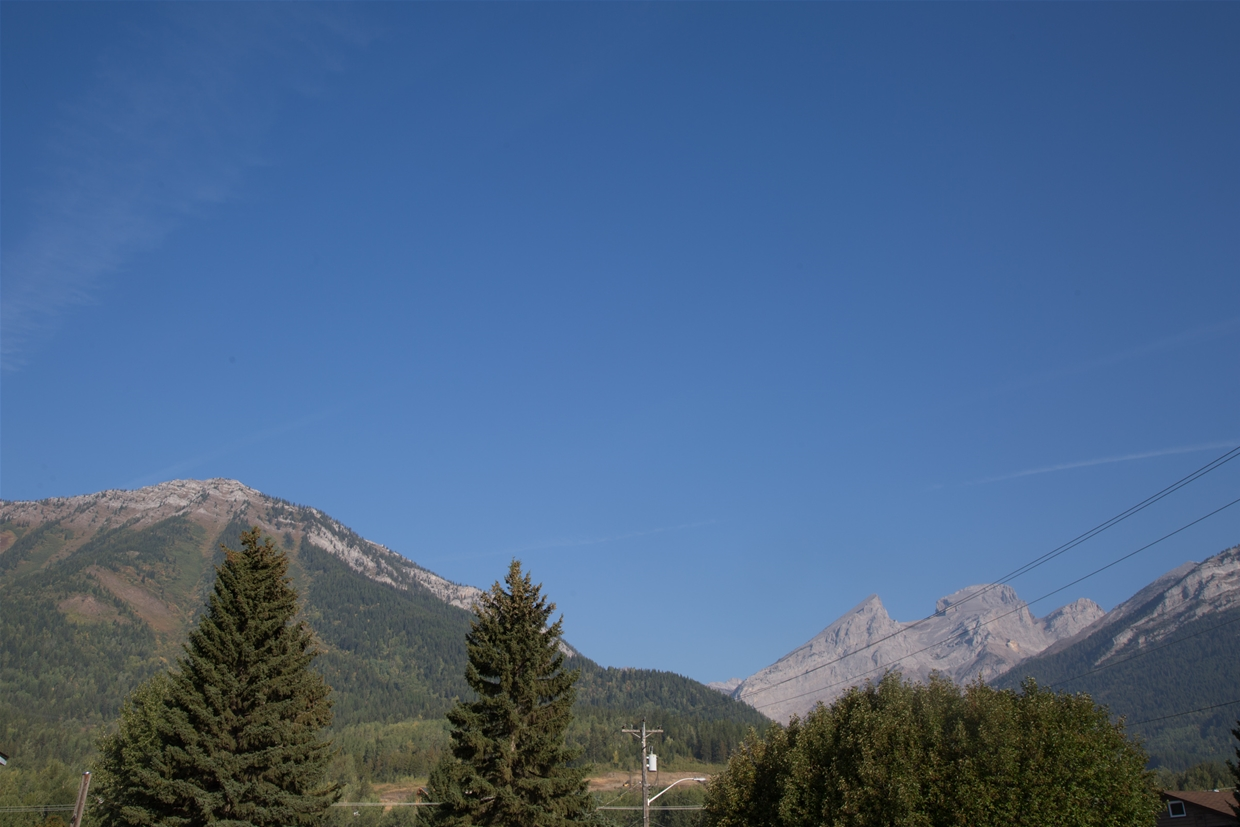 Fernie sky at 9am on September 6th, 2018 - Looking north