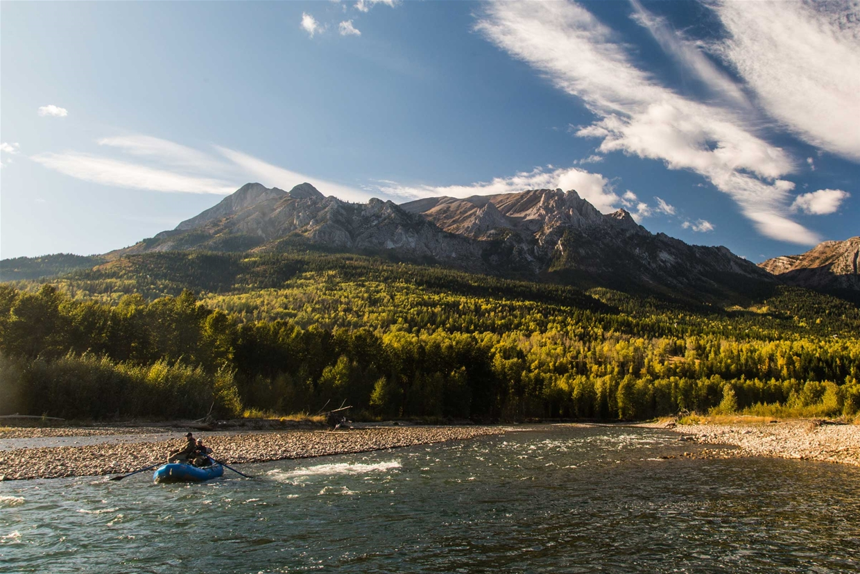 Fall season fly fishing on the Elk River
