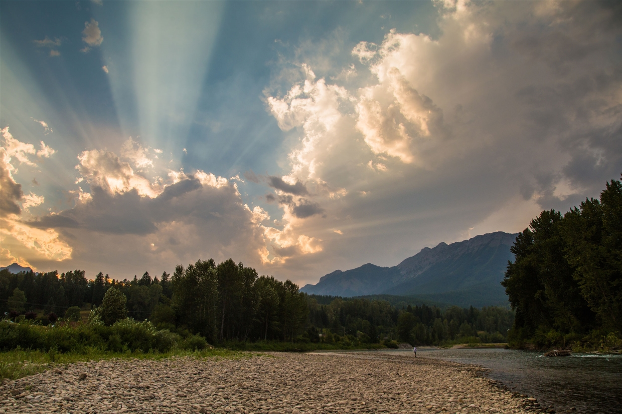 Fernie sky at 7:00pm on August 1, 2017 - Fishing the Elk River