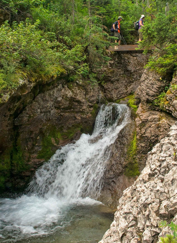 Waterfall on Heiko's Trail / Mountain Lakes Trail