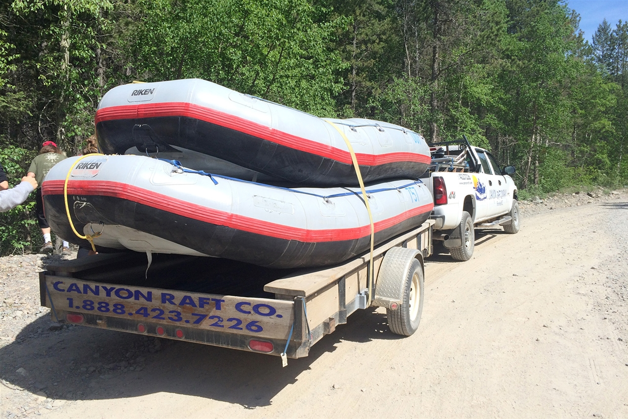 On the way to the Bull River with Canyon Raft