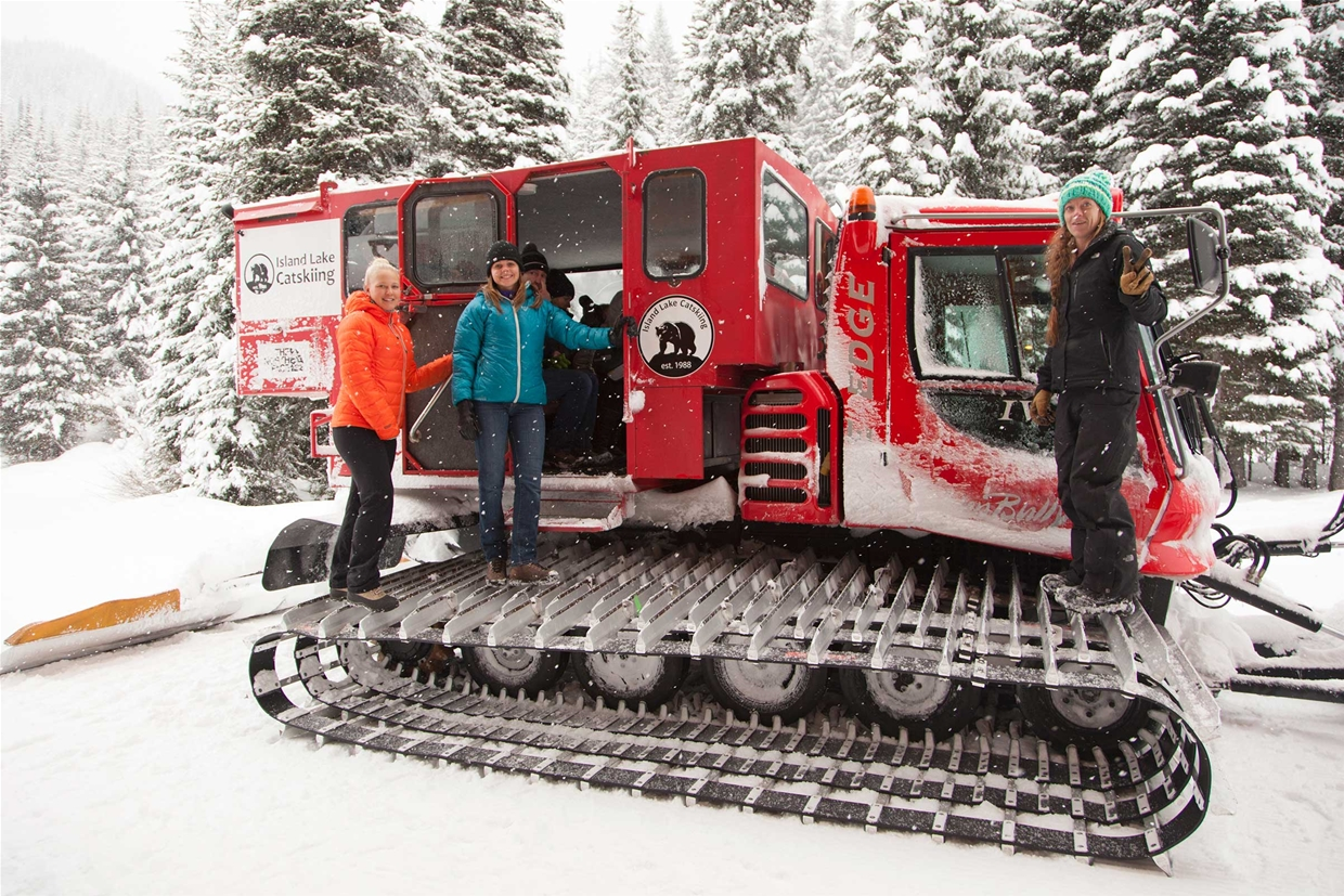 Winter catride & lunch with Island Lake Lodge