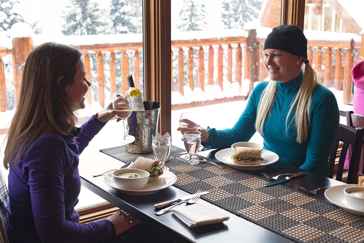 Gourmet lunch at Island Lake Lodge