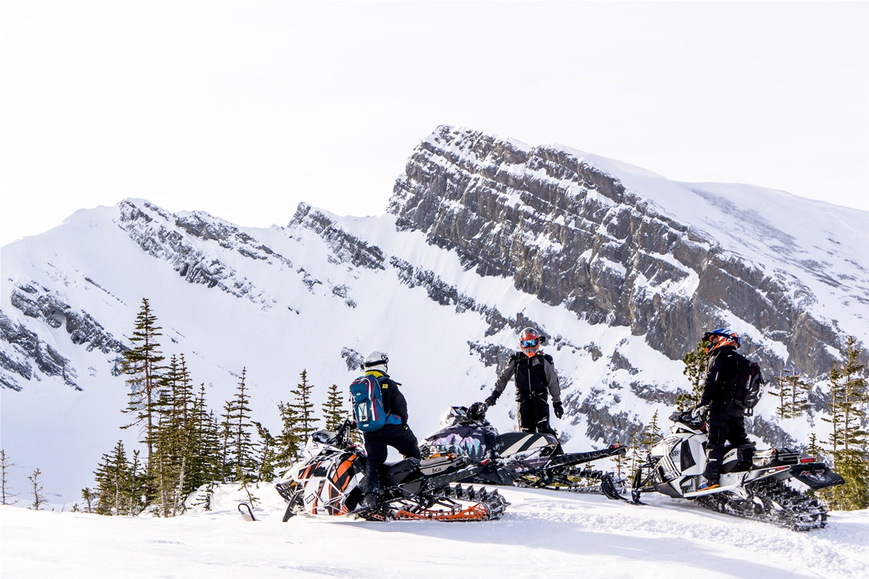 Snowmobiling with Weir Boondocking - Image MKuhn
