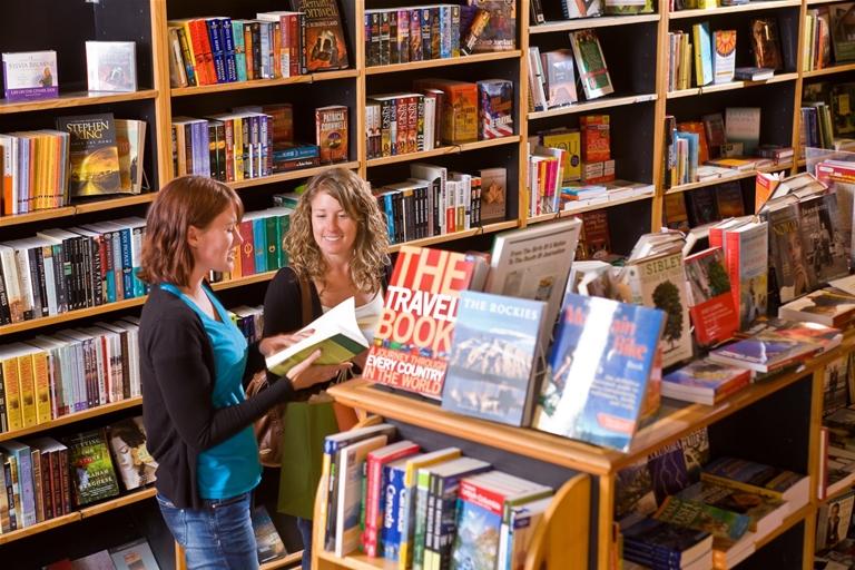 Polar Peek Books & Treasures