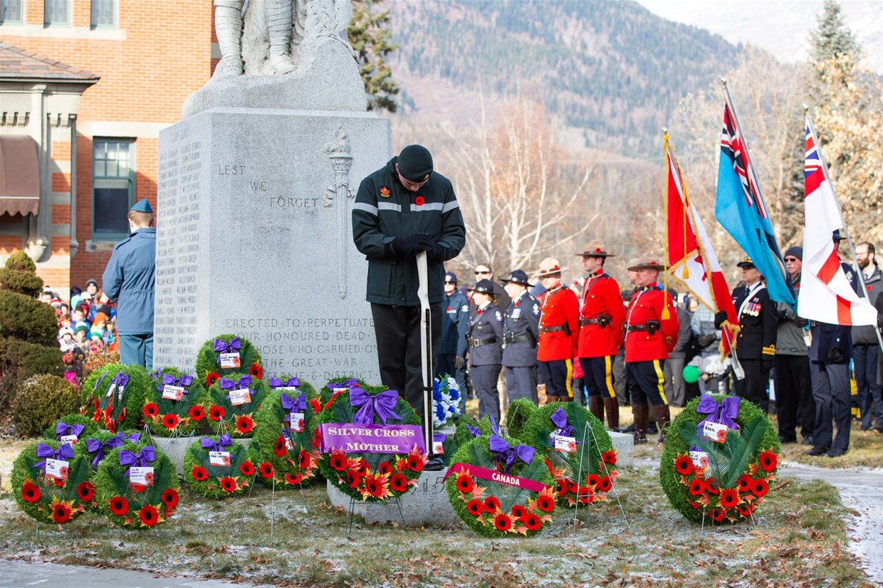 Fernie locals honouring those fallen on Remembrance Day