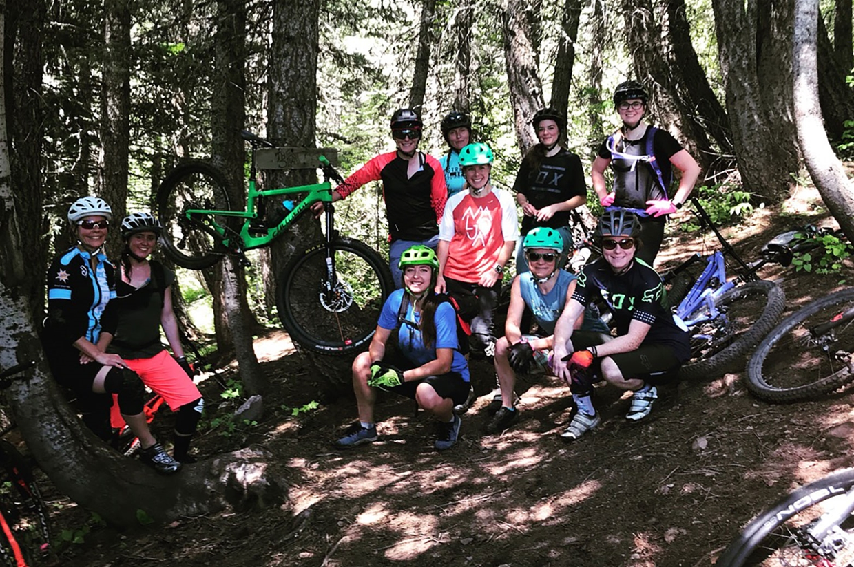 Women's mountain bike ride