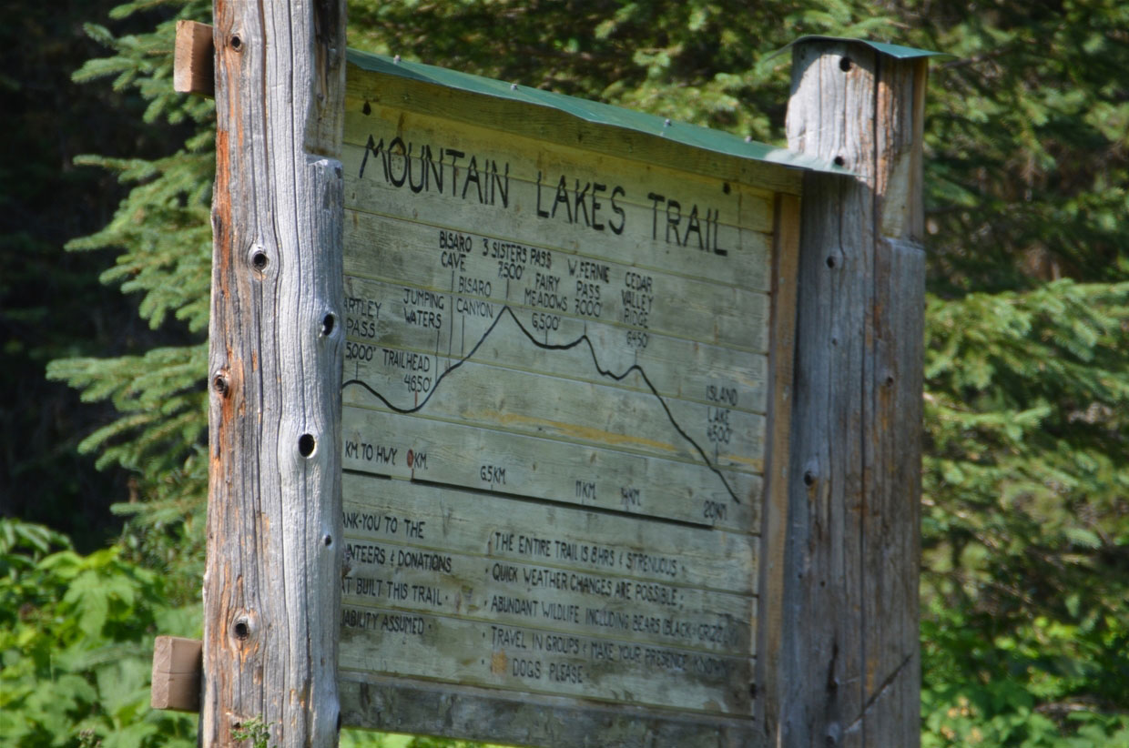 Trailhead for Mountain Lakes - Heiko's Trail