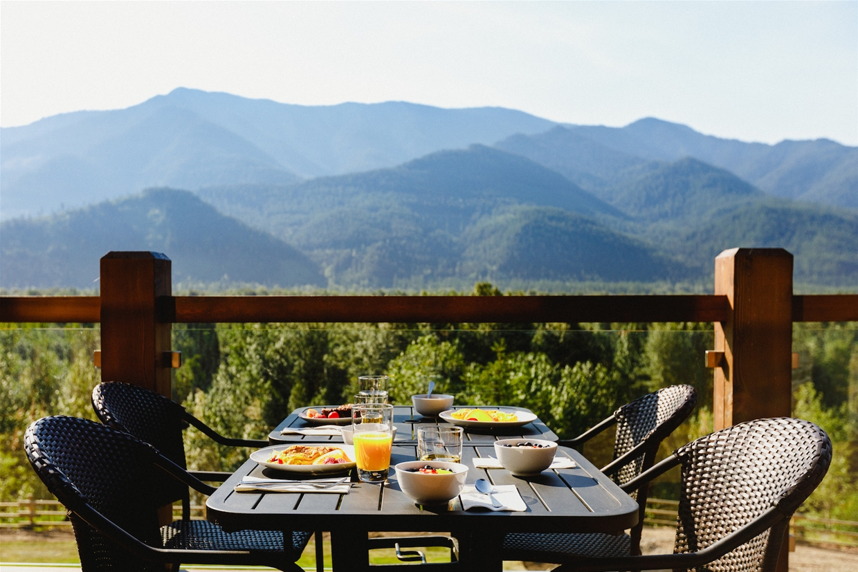 Breakfast on the deck at Brooks Creek Ranch