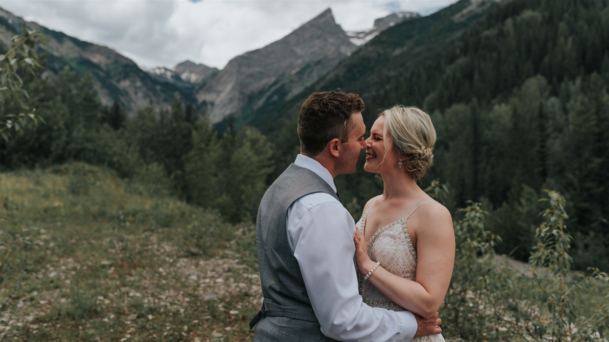 Wedding photography in the spectacular Canadian Rocky Mountains