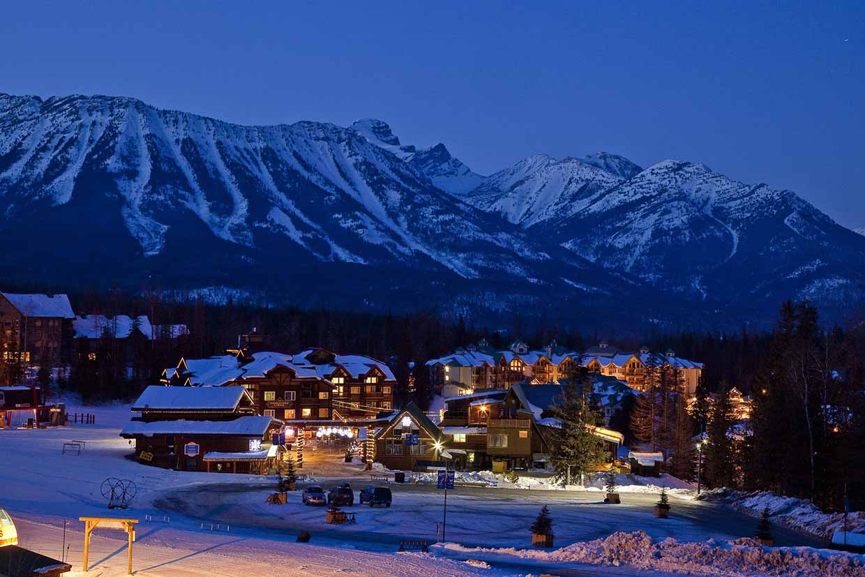 Skiing and snowboarding at fernie alpine resort for The alpine lodge