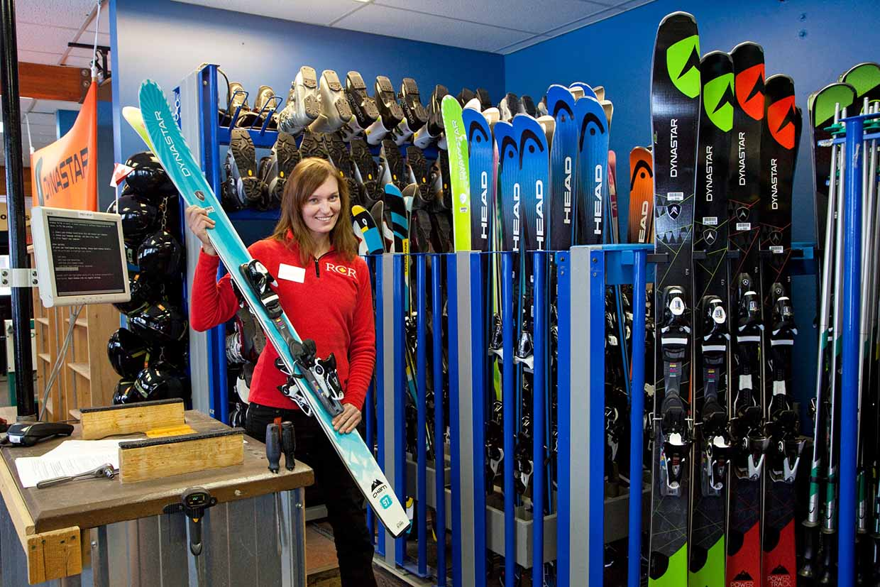 Rental & Repair Shop - Skiing
