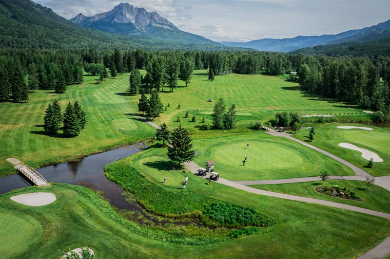 Fernie Golf & Country Club - Hole 1
