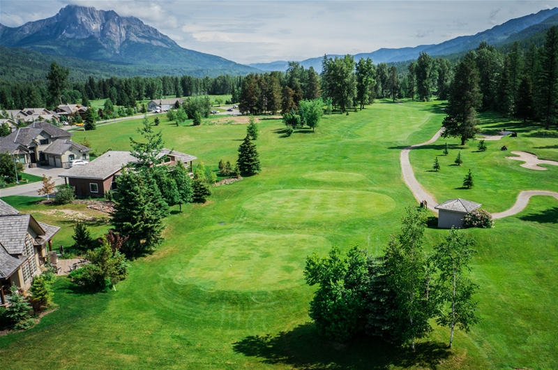 Fernie Golf & Country Club - Hole 14
