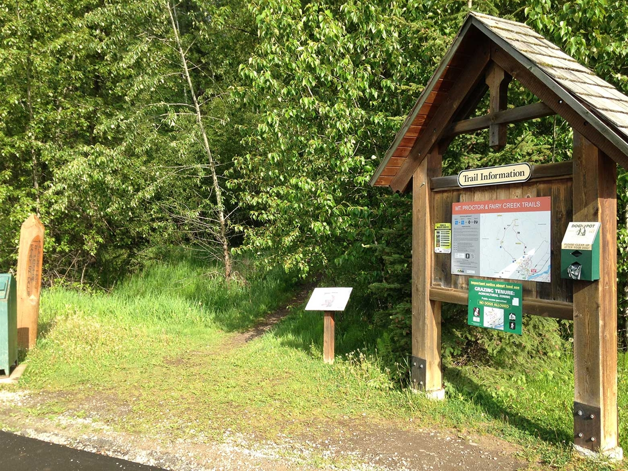 Mt Proctor Trailhead beside Fernie Chamber & Visitor Centre