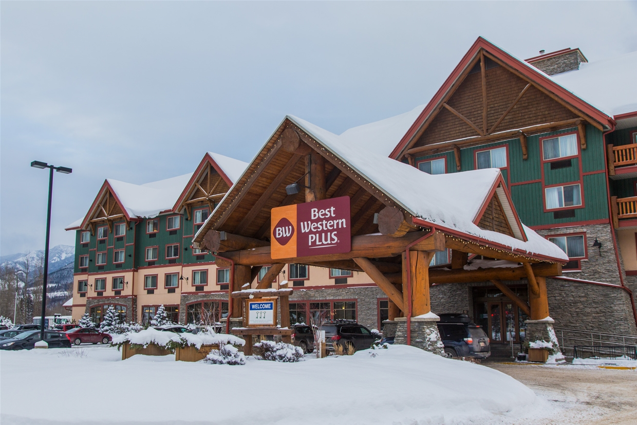 Winter at Best Western Plus Fernie Mountain Lodge