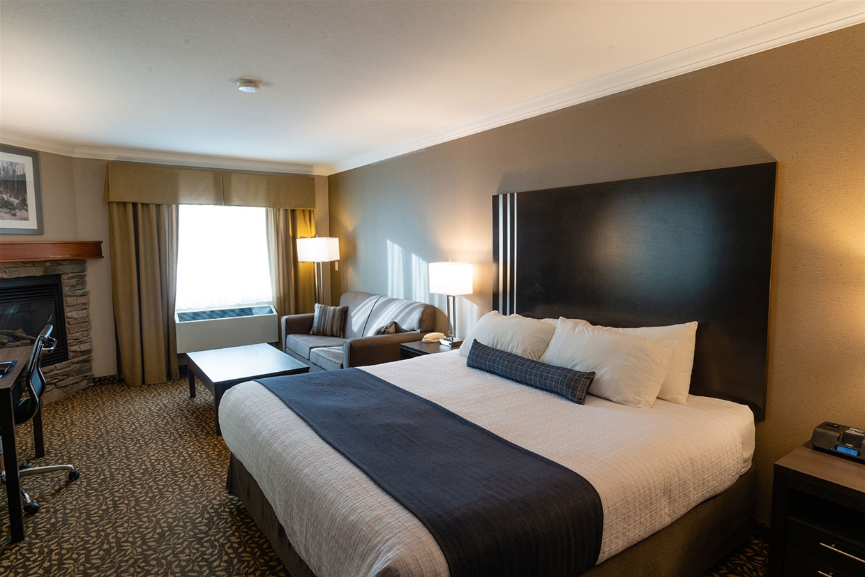 Best Western Plus Fernie - Standard King Room