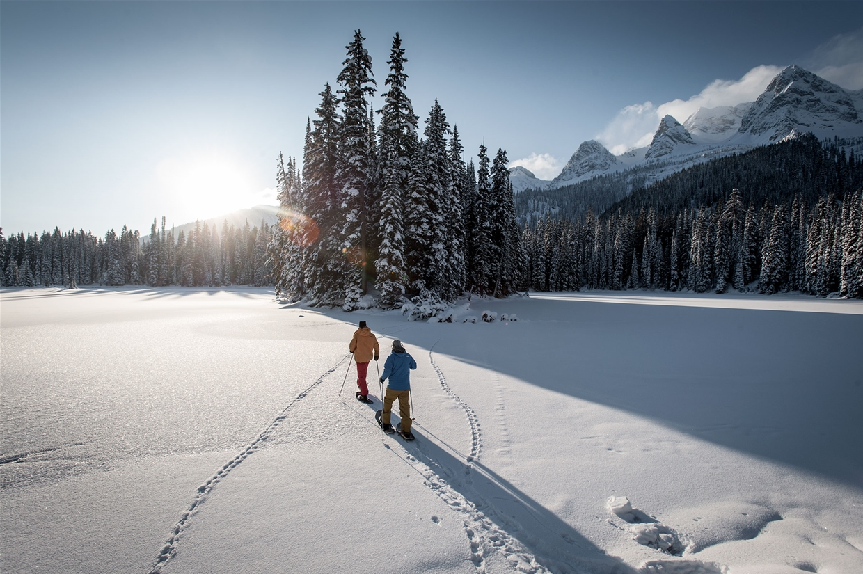 Snowshoeing at the Lodge - Image: Destn BC/Dave Heath