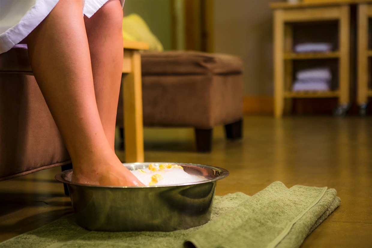 Relaxing foot soak - Pedicure at Island Lake Lodge Day Spa