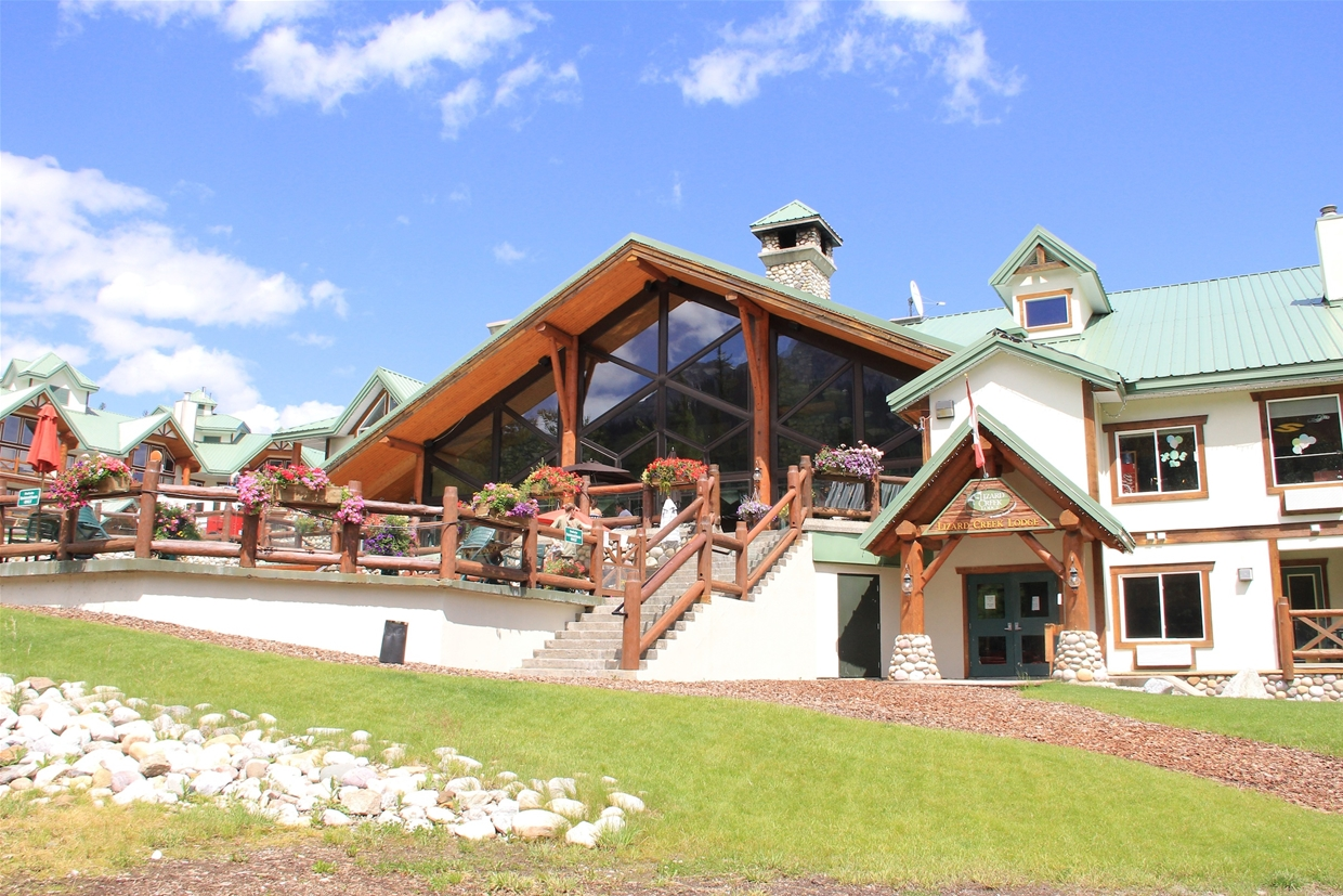 Lizard Creek Lodge - summer