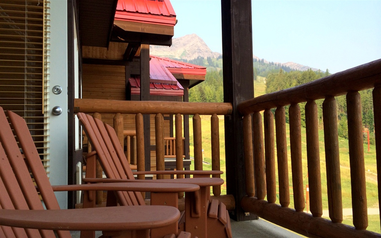 Cornerstone Lodge - Balcony