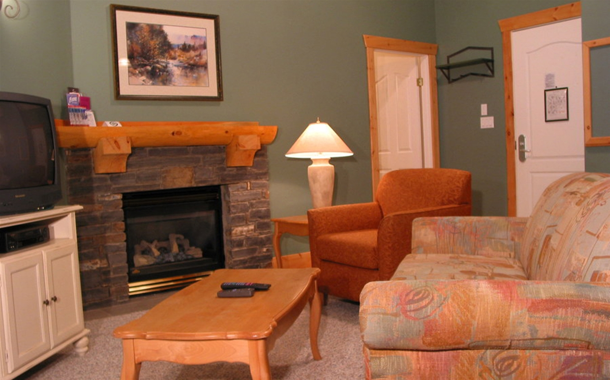 Cornerstone Lodge - Livingroom