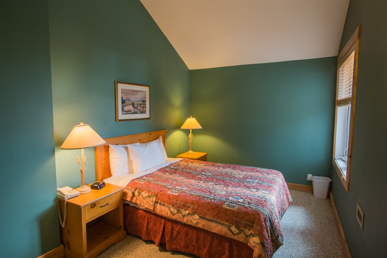 1-Bedroom Suite at Cornerstone Lodge