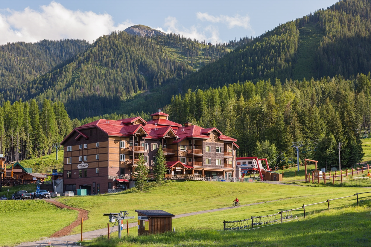 Stay right at the base of Fernie Alpine Resort