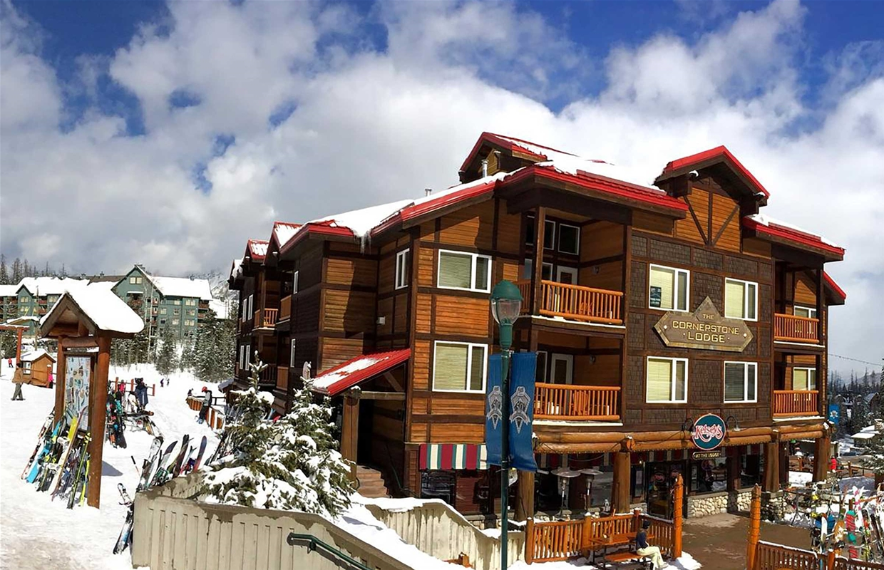 Places to Stay Fernie BC - Cornerstone Lodge at Fernie Alpine Resort