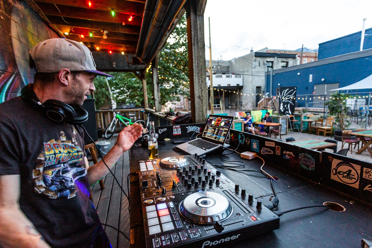 Outdoor DJ and live music at the Royal