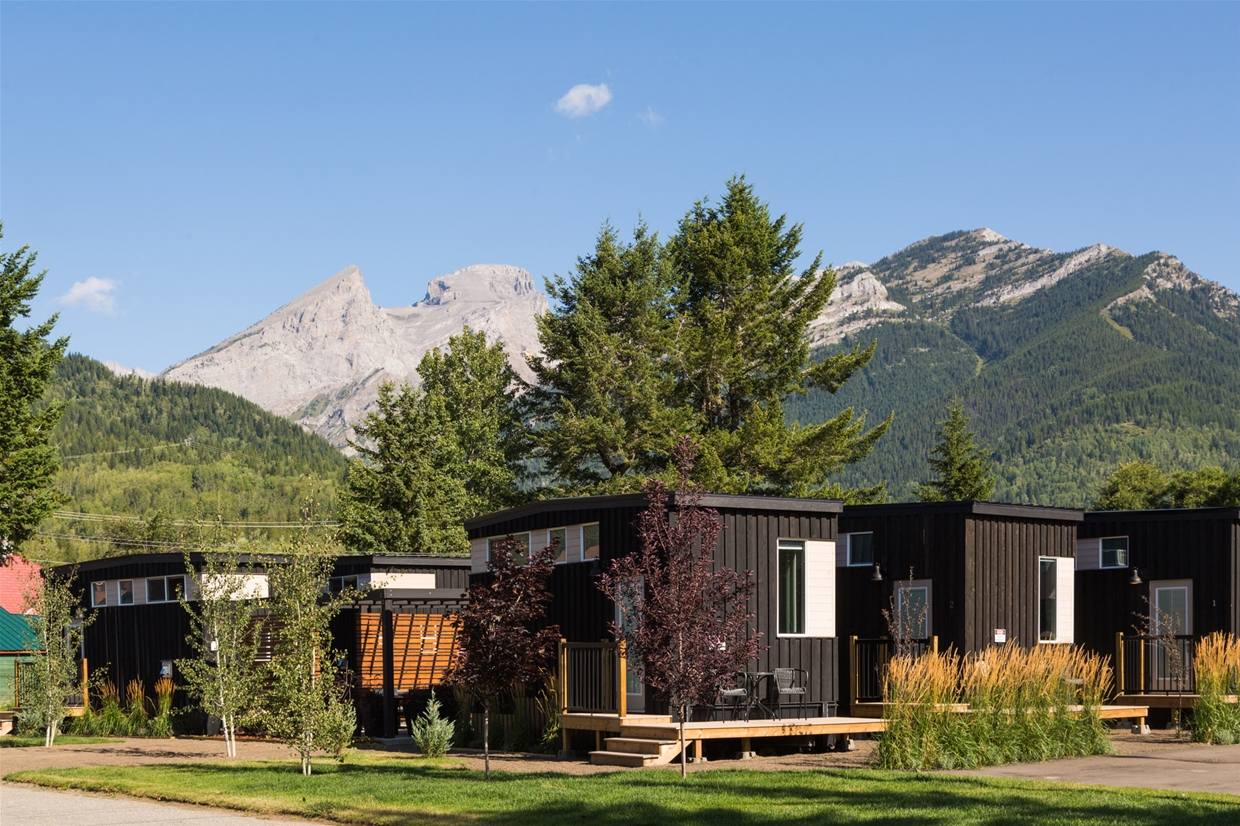 Tiny Cabins at Snow Valley Lodging