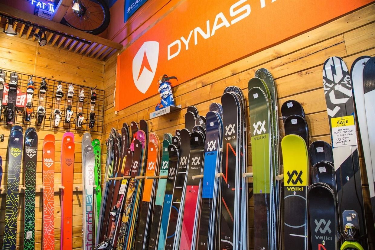 Volkl, Dynastar and specialised touring skis