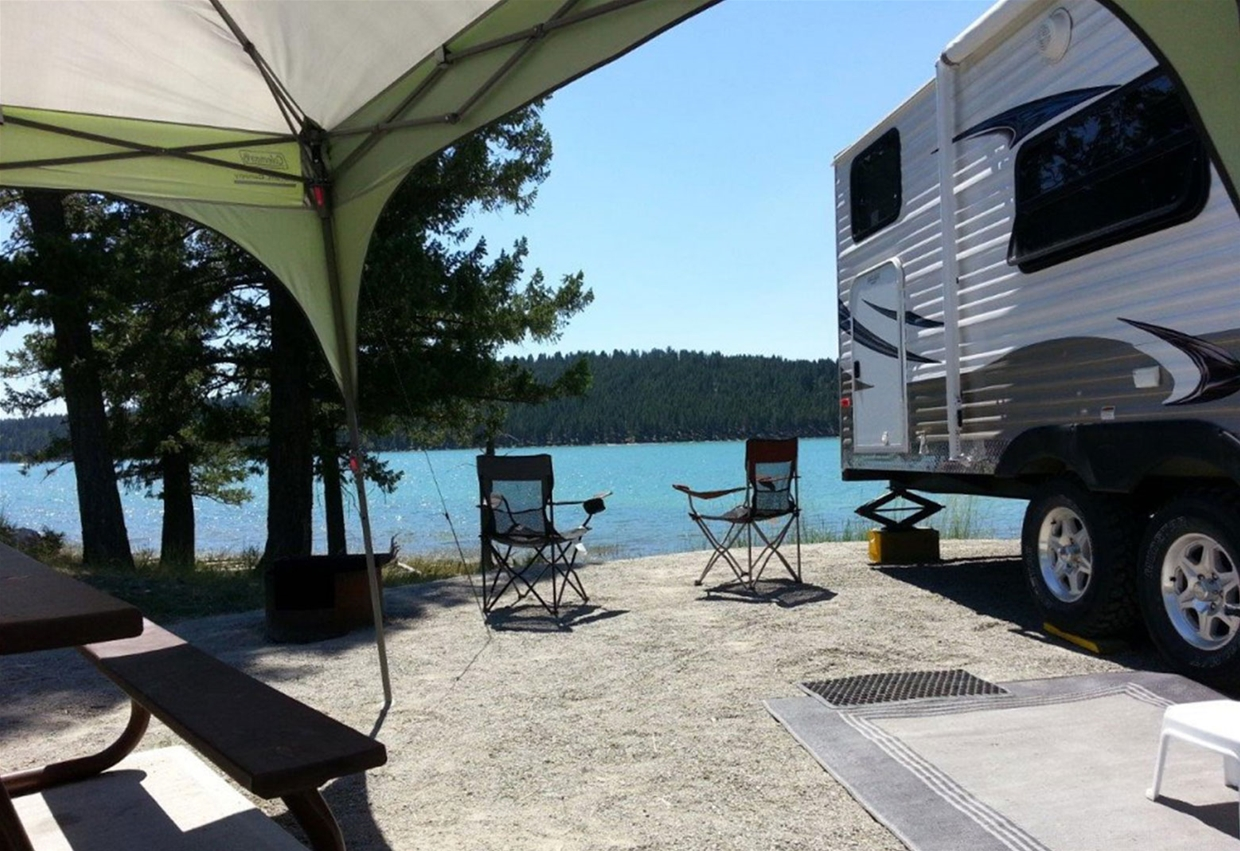 Camping at Kikomun Creek Provincial Park